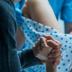 パパの立ち会い出産エピソード。体験談から学ぶ立会いへの心構え