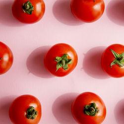ミニトマトを使った離乳食後期の簡単レシピ。雑炊やサラダなど