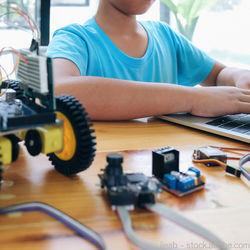 子どものプログラミングのおもちゃ。男の子、女の子向けの選び方
