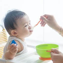 幼児が使う食事用の椅子はどのようなものがよい?