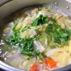 離乳食完了期の白菜レシピ。完了期に与える量の目安や食材の固さなど