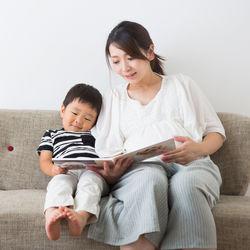2歳児向けのしつけに役立つ絵本。楽しみながら食事のマナーや礼儀を知ろう