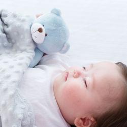 ぬいぐるみを使った子どもの寝かしつけ方法や選ぶときのポイント