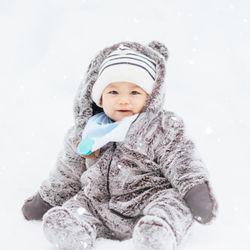 赤ちゃんが着る冬服の種類や選び方。冬服の組みあわせ例など