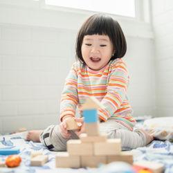 雨の日に子どもが楽しめる遊び。年齢別の楽しみ方や遊びの種類