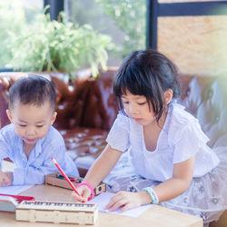 幼児が楽しめるぬりえ。知育ぬりえやぬりえ絵本などの種類や楽しみ方