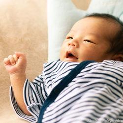 専用のシーツを使って赤ちゃんのかわいい寝相アートを作ろう