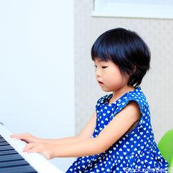 子どもの習い事はいつから?英語やダンス、ピアノなど習い事の種類