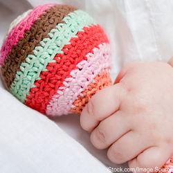 新生児のおもちゃについて。いつから使ったかや手作りおもちゃを紹介