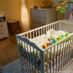 断乳中の子どもが夜中に起きる時。夜中に起きた時の対応など