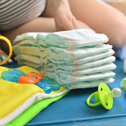 出産準備中にオムツを用意する?ママが用意した枚数や選ぶポイント