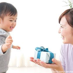 幼児への誕生日プレゼントの選び方や渡し方のアイデア