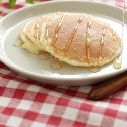 離乳食後期に。ほんのり甘い!もちもち米粉のパンケーキ