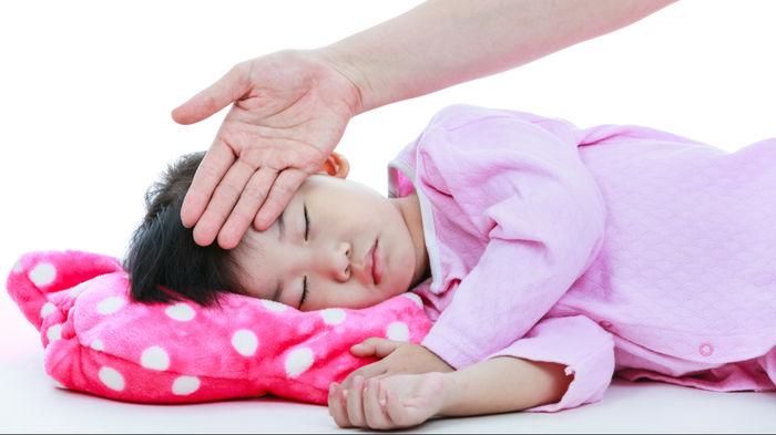 高熱 が 下がら ない 原因 大人
