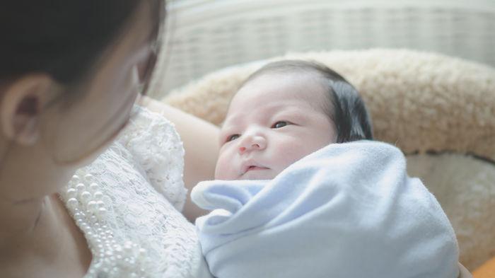 新生児の外出はいつから?ママたちは何ヶ月から赤ちゃんと外出していた ...