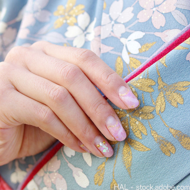 入学式に着物で参列するときのネイル。デザインの決め方など