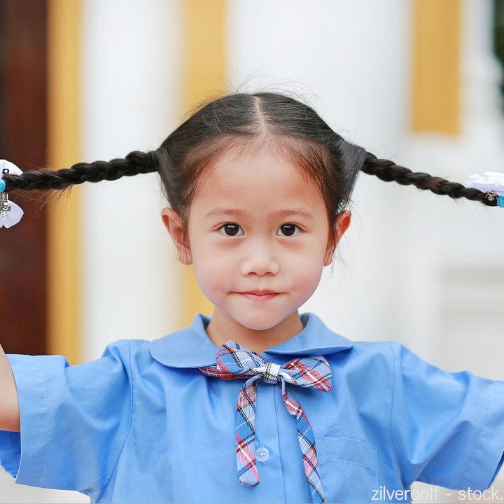 入学式の髪型。髪の毛の長さを活かしたロングヘア向けのアレンジ