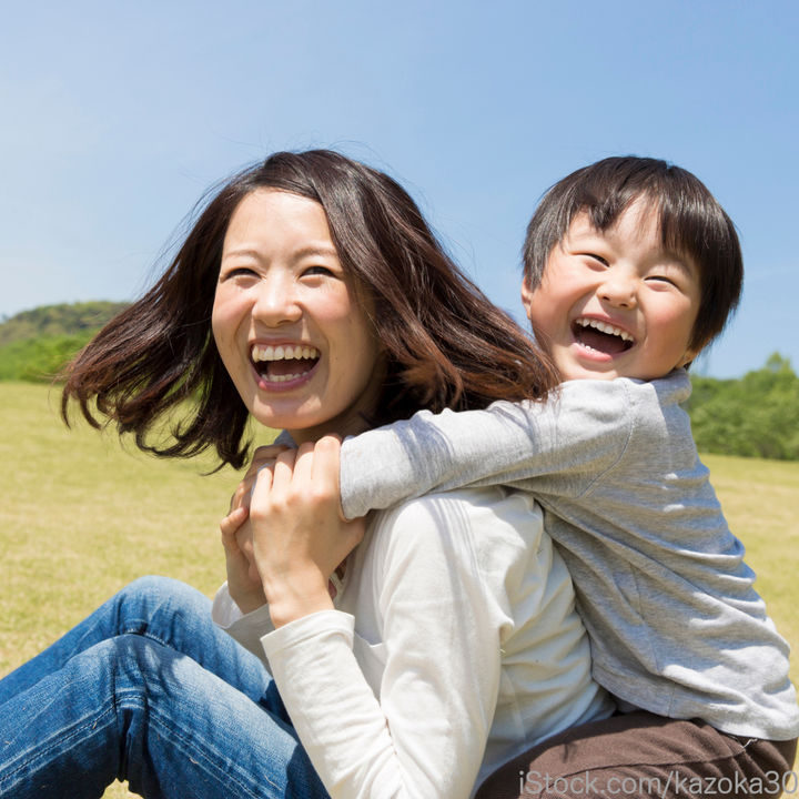 親子でふれあい遊びをしたい。乳児や幼児向けの遊び例