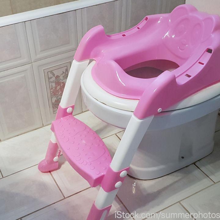 トイレトレーニングに使えるステップ台。踏み台型や折りたたみ式など