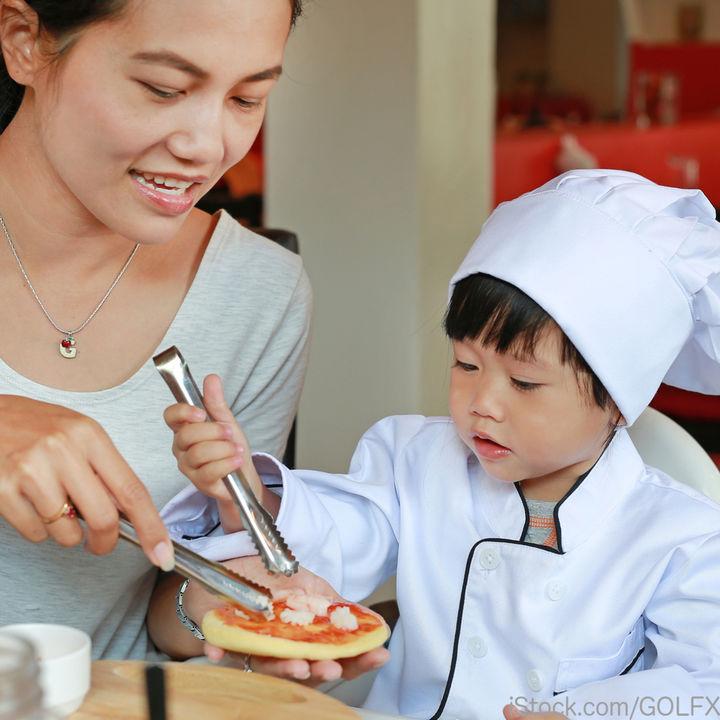 1歳の子どもに食べやすいピザを作ろう!餃子の皮やパンを使った簡単レシピ