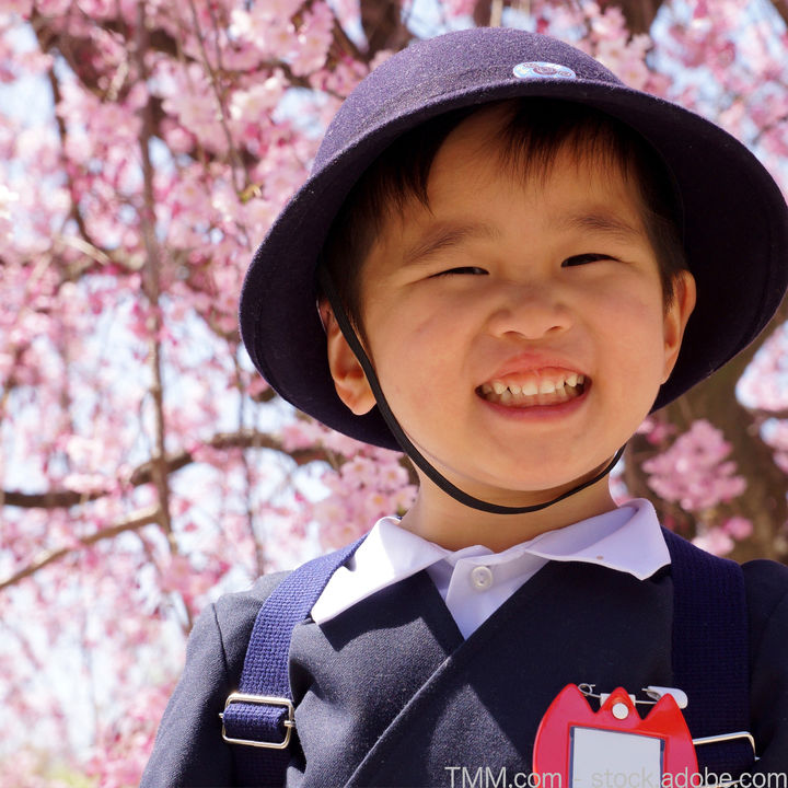 入園式の子どもの服装。女の子と男の子のコーディネートのポイント