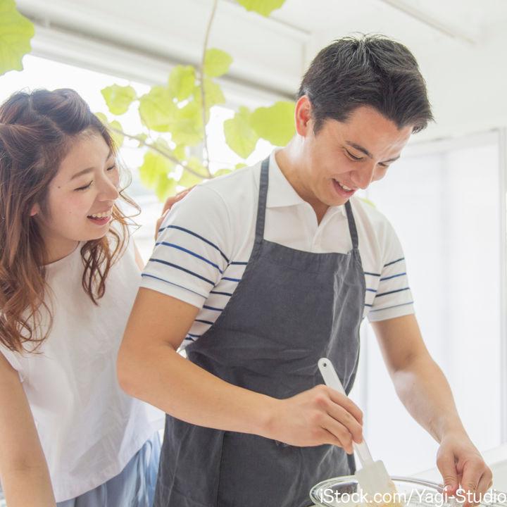 共働き夫婦が作るレシピ。1週間の食事を時短で用意するコツとは