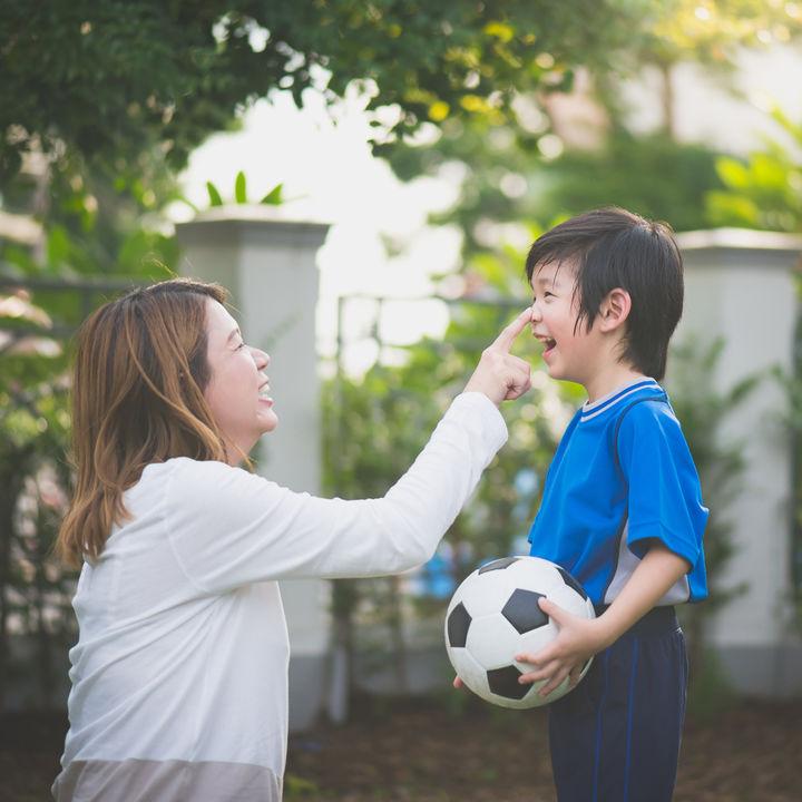 共働き家庭の子どもの習い事。種類や送迎など意識したい選び方