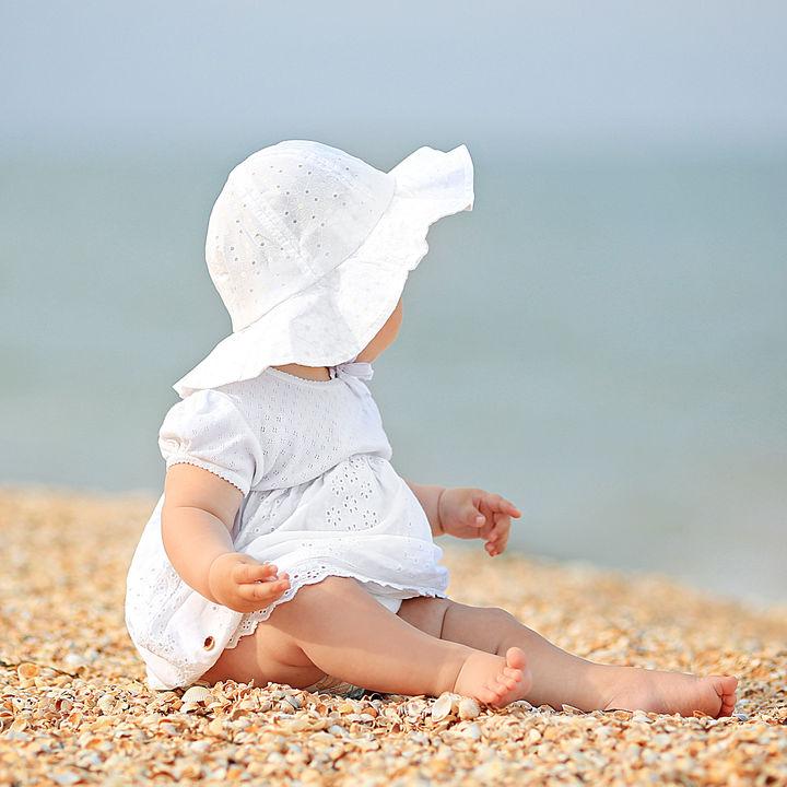 1歳児の赤ちゃんに選ぶ帽子。サイズや季節での使い分け