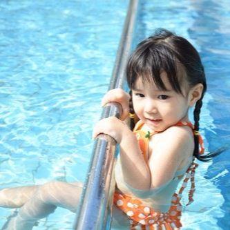 子どもが水嫌いを克服する方法。潜れるようになるための4ステップ
