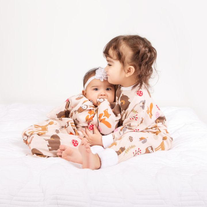 共働き先進国アメリカから進化型おくるみパジャマが日本上陸!