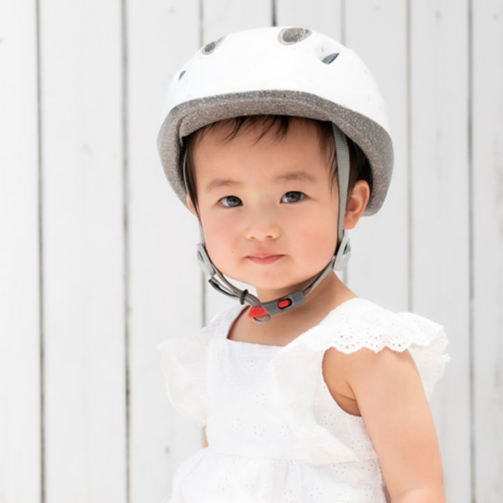 日本最小の赤ちゃん専用ファーストヘルメット「PICOT」が発売中
