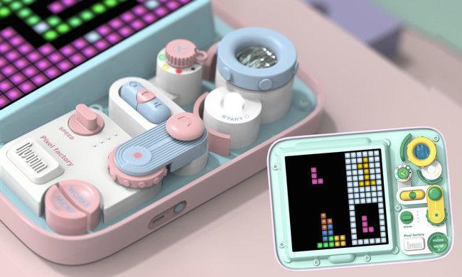 PIXEL FACTORY ブルー/ピンク(Blue/Pink)、グリーン/パープル(Green/Purple)各15,800円(税込)