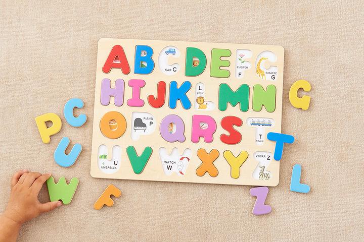 エド・インター 木のパズル A・B・C 1,300円(税抜)対象年齢 3歳から