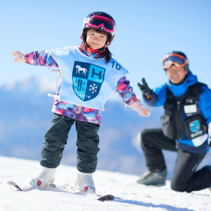 星野リゾート リゾナーレ八ヶ岳が子ども向けのスキーレッスンを実施