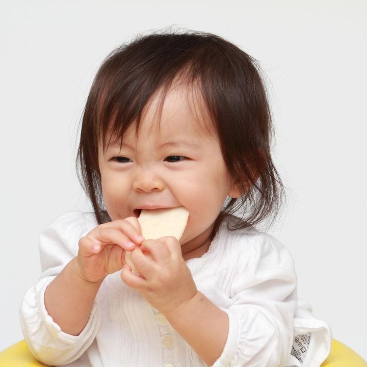 生後11カ月の赤ちゃんとの生活。毎日の過ごし方や離乳食の進め方