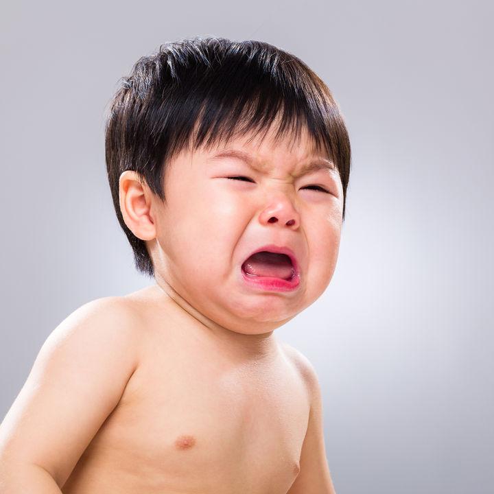 ギャン泣き、寝ぐずり、物を投げる・・・子どもの癇癪はどうして起こる?その対処法は?