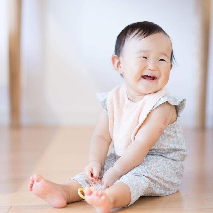 生後10カ月の赤ちゃんの生活。ママの悩みと対策法、離乳食の進め方