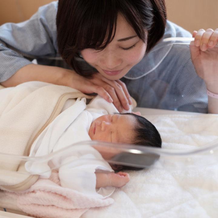 赤ちゃんの名付け。女の子、男の子、双子の名付けアイディアとポイント