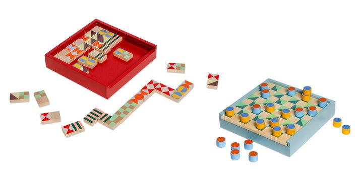 MoMA 左から ドミノ ゲーム、チェス&チェッカー ゲーム 各6,300円(税抜)