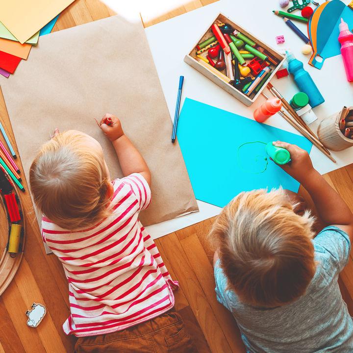 【室内遊び10選】おうちで子どもの創造力と好奇心を引き出す