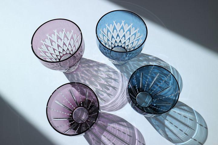 KIMOTO GLASS TOKYO Edokiriko Mermaid Blue/Violet 各色 11,000円(税込)、Edokiriko Dots Blue/Violet 各色 8,800円(税込)