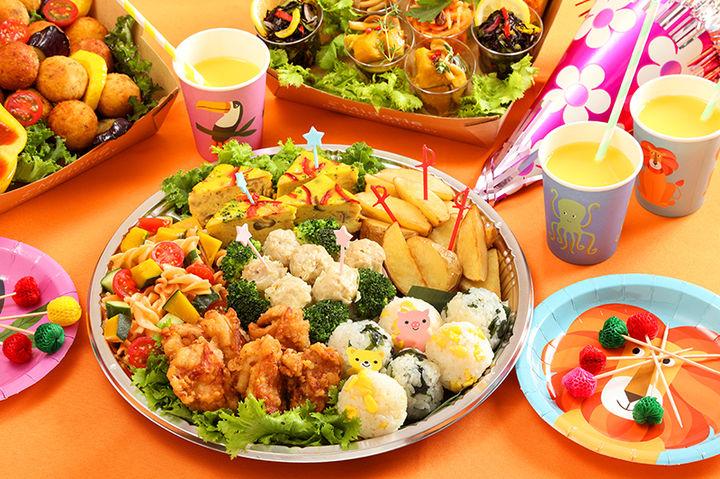 キャプション:キッズパーティープレート (5~6人分)¥4,800(税込)。プレートで届くので、そのまま食べられる。