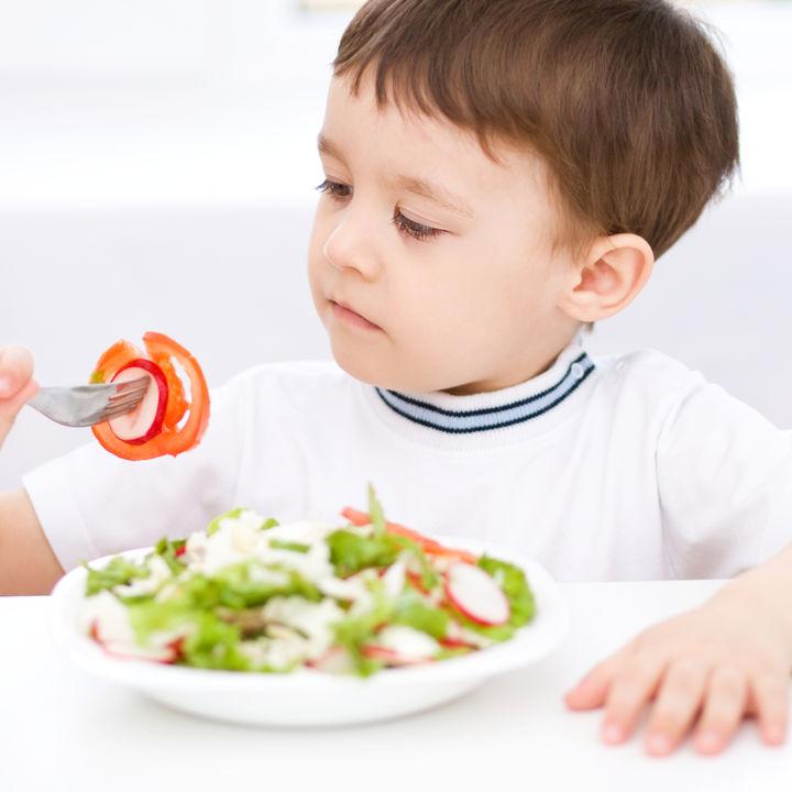 2歳児の食事に関するママの悩みと対処法。子どもが喜ぶメニュー