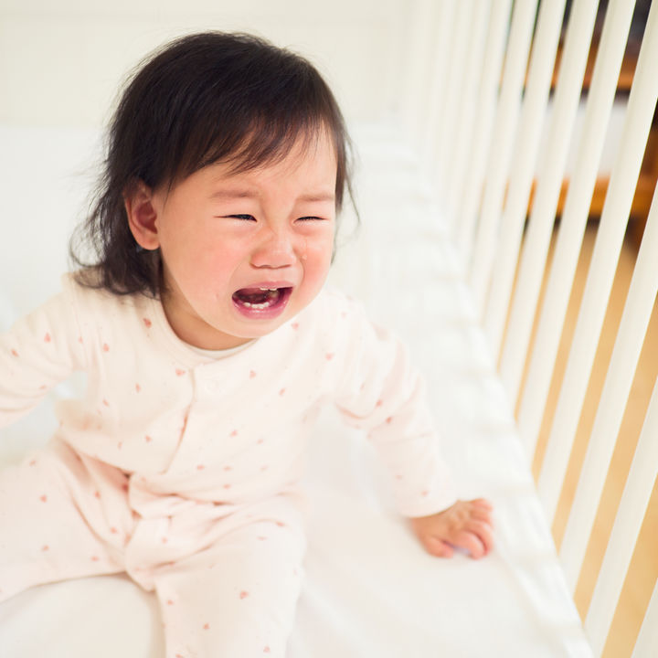 子どもの夜泣きを乗り越える、ママたちに聞いた対処法や対策