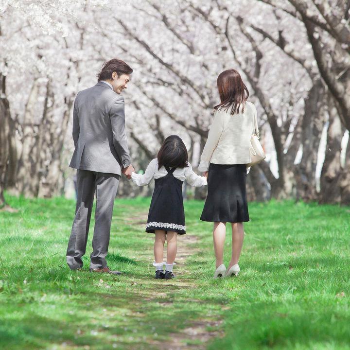保育園に適した服装とは。通園時や式典などに着る子どもや保護者の服装