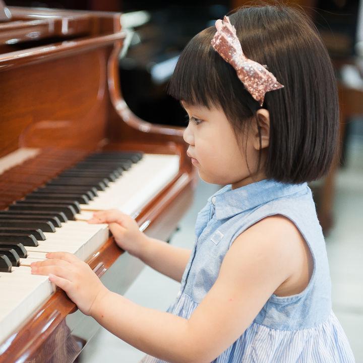 音楽系の習い事を始めたいとき。費用の目安や選び方のポイント