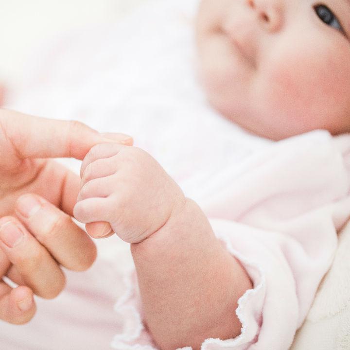 東京都、コロナ禍で出産・育児をする家庭へ10万円相当の支援。利用方法やママの声を調査