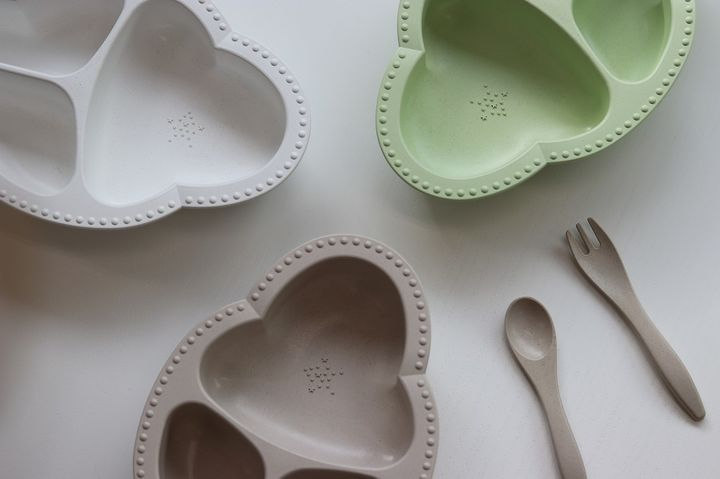 bien mange! ベビー食器&カトラリー3点セット ホワイト、グリーン、ベージュの3色展開 すべて4,290円(税込)