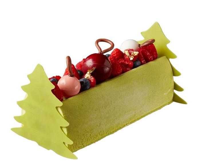 「ピスタチオ レッドベリー ログケーキ」7,200円(税込)長さ約21cm×幅約9cm×高さ約7.5cm(ケーキ部分)