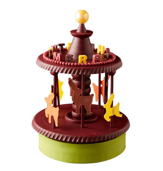 メリーゴーランド 25,000円 (税込)直径 23cm×高さ30cm(ケーキ部分直径20cm×高さ4cm)※限定10個